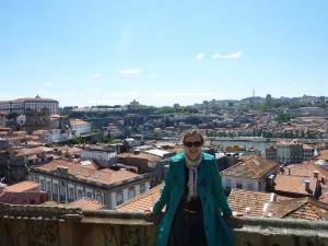 Première vue panoramique sur la ville
