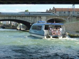 La navette fluviale pour aller au Millénaire