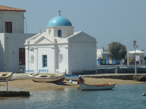 Petite église près du port