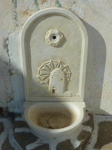Petite fontaine en marbre