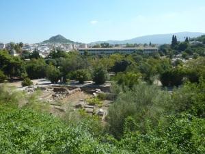 Vue sur l'Agora depuis le temple d'Héphaïstos. Au fond, la stoa d'Attalos