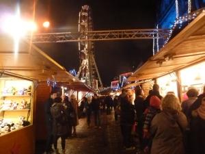 Dans les allées du marché de Noël