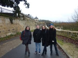 Promenade le long du château