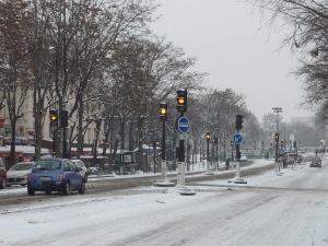 La circulation à Paris quand il neige, c'est toute une histoire...