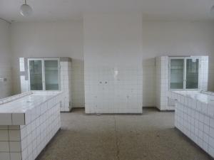 Salle de dissection au-dessus de la morgue