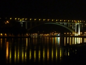 Pont d'Arrabida by night