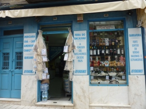 Boutique de morue, spécialité portugaise… finalement non exportée jusqu'à Paris, après mûre réflexion !