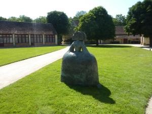 Dans l'ancienne ferme, une statue déjà vue à Düsseldorf !