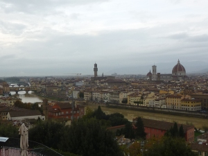 De gauche à droite: Ponte Vecchio, Palazzo Vecchio, cathédrale
