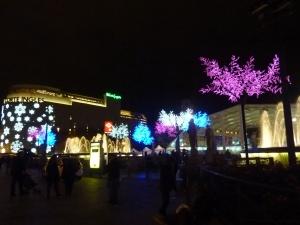 Place de Catalogne by night