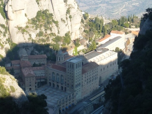 Le monastère vu depuis le haut du funiculaire de St Joan