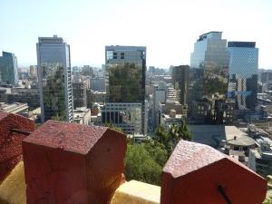 Je retrouve mes immeubles chouchous où se reflètent les arbres du parc