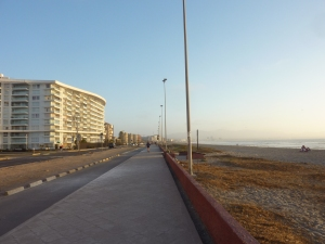 """La """"promenade du front de mer..."""" hum hum"""