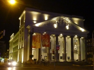 L'opéra by night