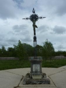 La belle croix du cimetière de Marolles