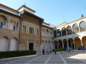 Patio de la Monteria et entrée du palais de Pierre le Cruel