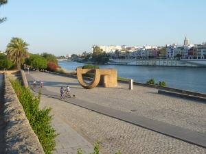 Promenade Juan Carlos le long du Guadalquivir