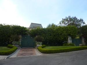 Le portail de la maison d'Elton John