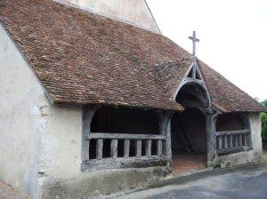 … et son caquetoire du 16è siècle, où les paroissiens s'échangeaient les dernières nouvelles!