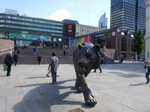 Un tigre veille sur la gare