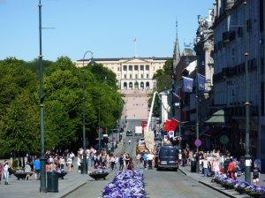 Vue sur le Palais Royal depuis KarlJohansgate