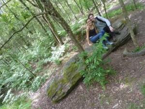et le dernier est un peu plus loin. Ce n'est pas tous les jours qu'on peut s'asseoir sur un menhir!!