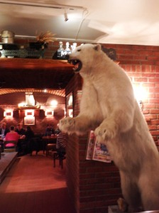 Le bar de la brasserie Mack...