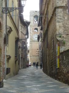 La rue principale de Colle Val d'Elsa, version ville haute.