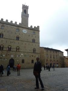 Place centrale de Volterra