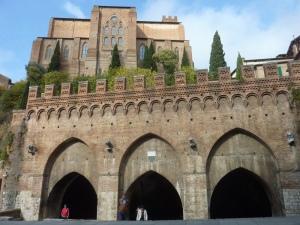 Fontaine Branda et arrière de San Domenico
