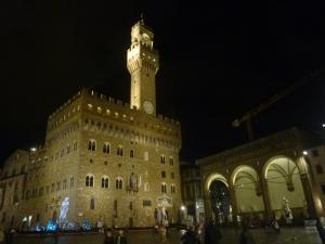 Piazza della Signoria by night, avec le palazzo Vecchio et la pergola