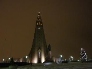 La cathédrale de Reykjavik by night