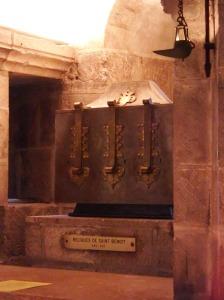 et les reliques de St Benoît