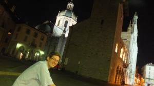 En vélo devant la cathédrale