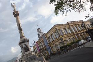 Hôtel de ville et monument aux morts