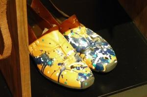 Le susmmum du trendy, porter des chaussures tachées...?