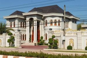 L'une des énormes maisons