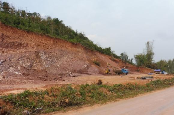 Travaux de terrassement à Luang Namtha