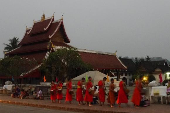 Aumône des moines