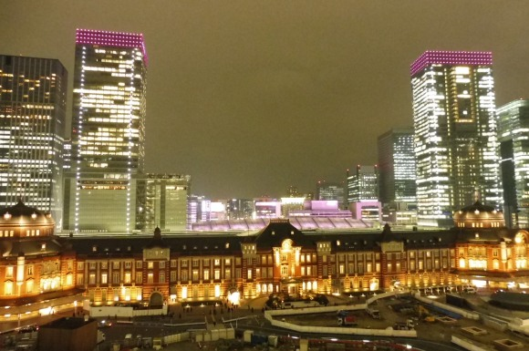 Vue sur la gare de Tokyo depuis le rooftop du Shin Marunouchi Building