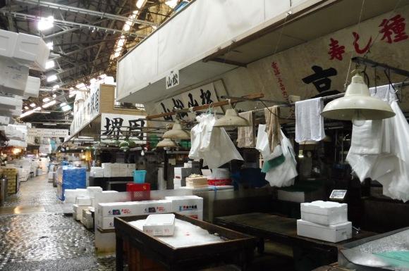 Exploration de Tsujiki, le plus grand marché aux poissons du monde