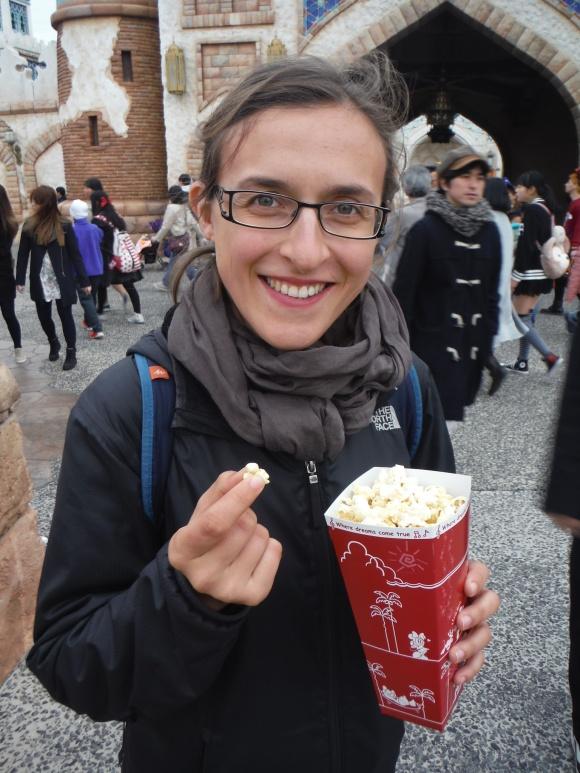 Tester les différentes saveurs de popcorn du parc, une attraction à part entière !