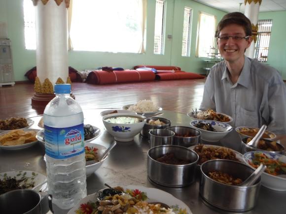Deuxième repas au monastère...
