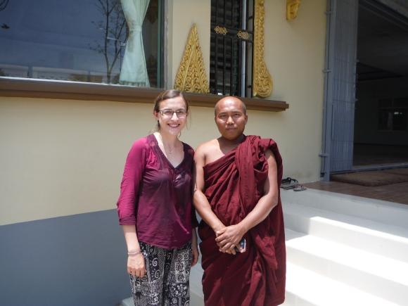 ... et photo avec le moine ravi de m'avoir arrosée !