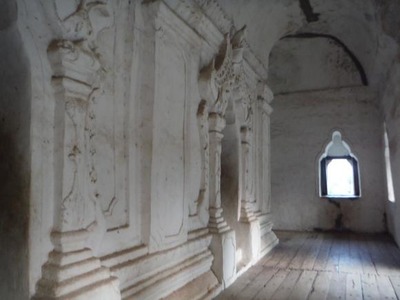 Les couloirs déserts d'un ancien palais, une ambiance à part...