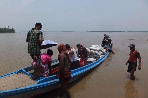 Le bateau pour l'île du Lavage des Cheveux