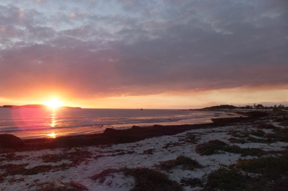 Superbe coucher de soleil sur la plage de Lacelin