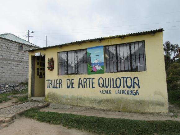 Il y a beaucoup d'artistes à Quilotoa