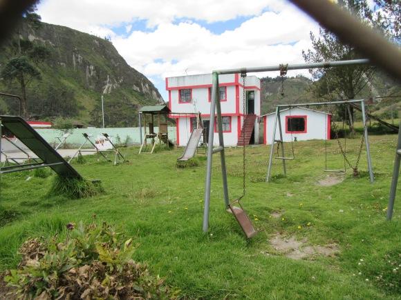 L'école d'un petit village que nous traversons