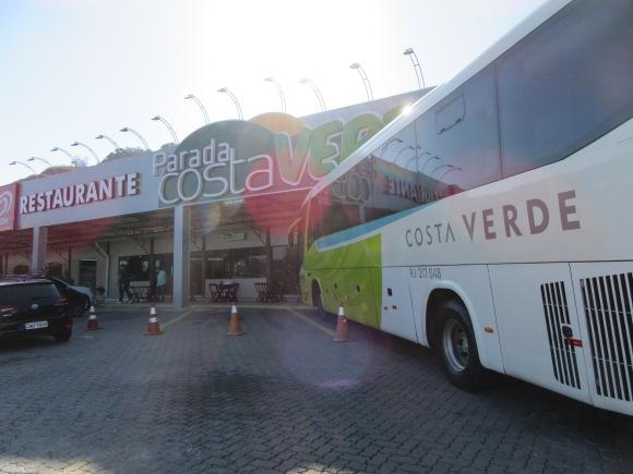 Les compagnies de bus ont leurs restaurants dédiés sur les aires d'autoroute